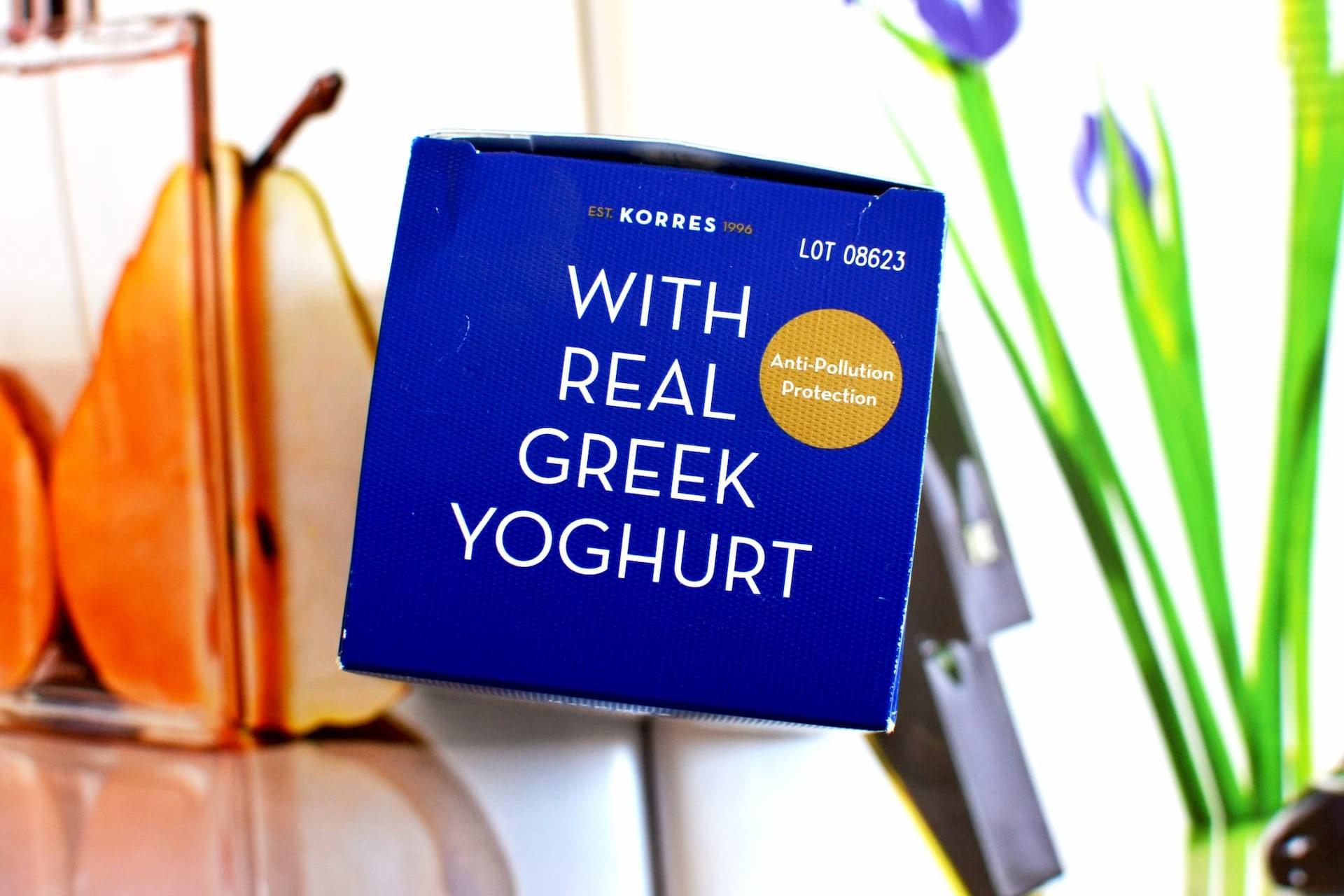 Yoghurt увлажняющая маска для лица с пробиотиками Hydra-Biome